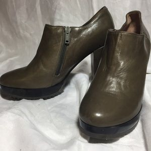 ROBERT CLERGERIE PARIS LEATHER BOOTIES SZ 7.5